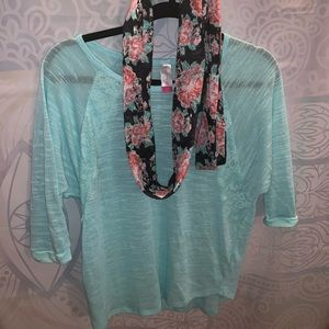 Super cute mint green top, lace and scarf